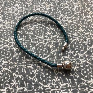 2/15$ Chamilia Blue Charm Bracelet
